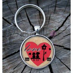 """""""Love"""" üveglencsés kulcstartó"""